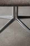 Menu Harbour Swivel stoel gestoffeerd aluminium onderstel