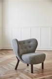 &tradition Little Petra fauteuil walnoten onderstel