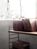 String Furniture Hoge kast small, zwart/walnoot