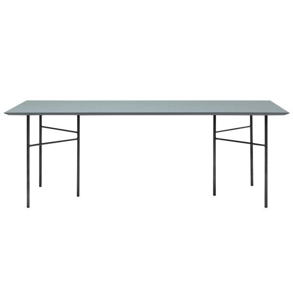 Ferm Living Mingle tafel 210x90 dusty blue, zwart onderstel