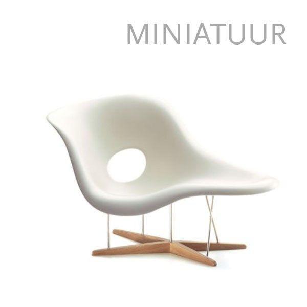 Vitra La Chaise miniatuur