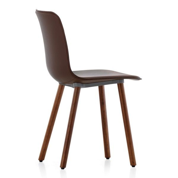 Vitra Hal Leather Wood stoel chocolade