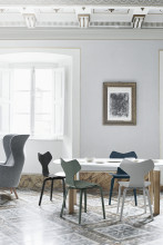 Fritz Hansen Grand Prix Chair Wood stoel gekleurd essen