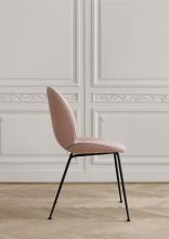 Gubi Beetle gestoffeerde stoel