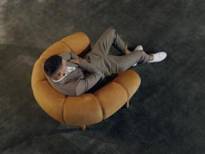 Gubi Croissant fauteuil