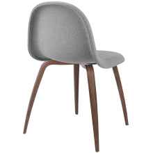 Gubi Gubi 3D stoel gestoffeerd met walnoten onderstel
