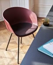 Hay About a Chair AAC26 stoel met zwart onderstel
