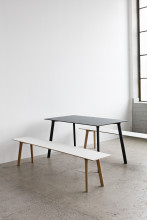 Hay CPH Deux 210 tafel 75x75 met onbewerkt beuken onderstel