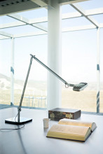 Luceplan Otto Watt bureaulamp LED gepolijst aluminium