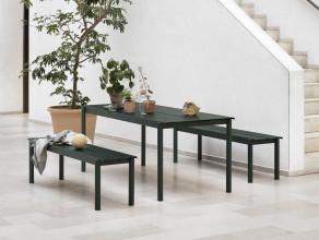 Muuto Linear tafel donkergroen 200x75