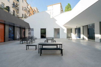 Muuto Linear tafel zwart 200x75