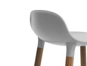 Normann Copenhagen Form Barstool barkruk 75cm met walnoten onderstel