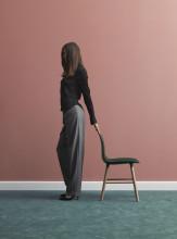 Normann Copenhagen Form Chair stoel met stalen onderstel