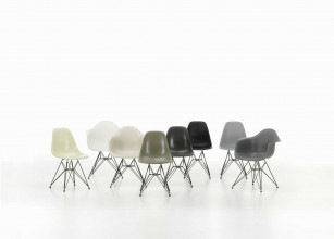 Vitra Eames DSR stoel met zwart gepoedercoat onderstel