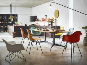 Vitra Eames DSX Fiberglass stoel met zwart onderstel