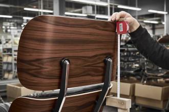 Vitra Eames Lounge chair fauteuil (nieuwe afmetingen) noten zwart