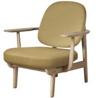 Fritz Hansen Fred JH97 fauteuil gelakt eiken