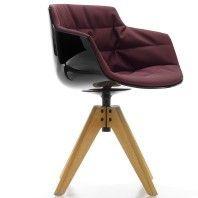MDF Italia Flow Slim Chair gestoffeerde stoel met VN eiken onderstel