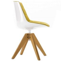 MDF Italia Flow Chair gestoffeerde stoel met VN eiken onderstel