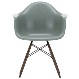 Vitra Eames DAW Fiberglass stoel donker esdoorn