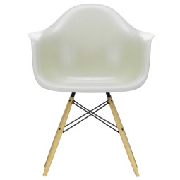 Vitra Eames DAW Fiberglass stoel essen