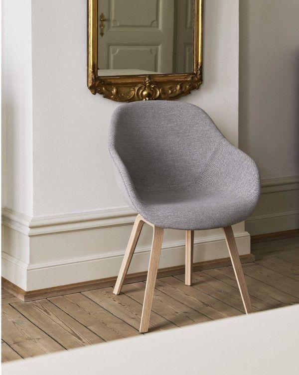 Hay About a Chair AAC123 gestoffeerde stoel