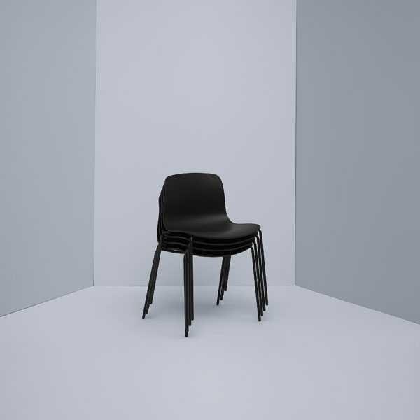 Hay About a Chair AAC16 stoel met zwart onderstel