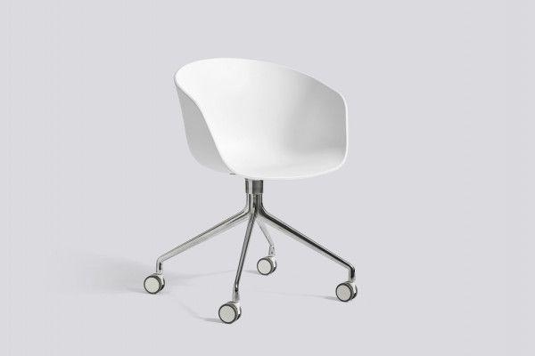 Hay About a Chair AAC24 stoel met wit onderstel