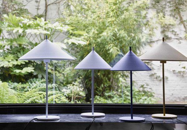 HKliving Metal Triangle tafellamp mat medium