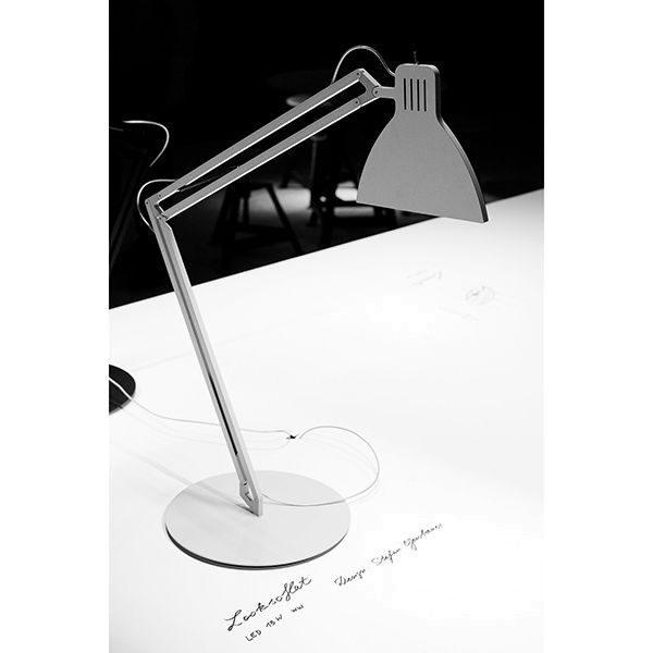 Ingo Maurer Looksoflat bureaulamp LED