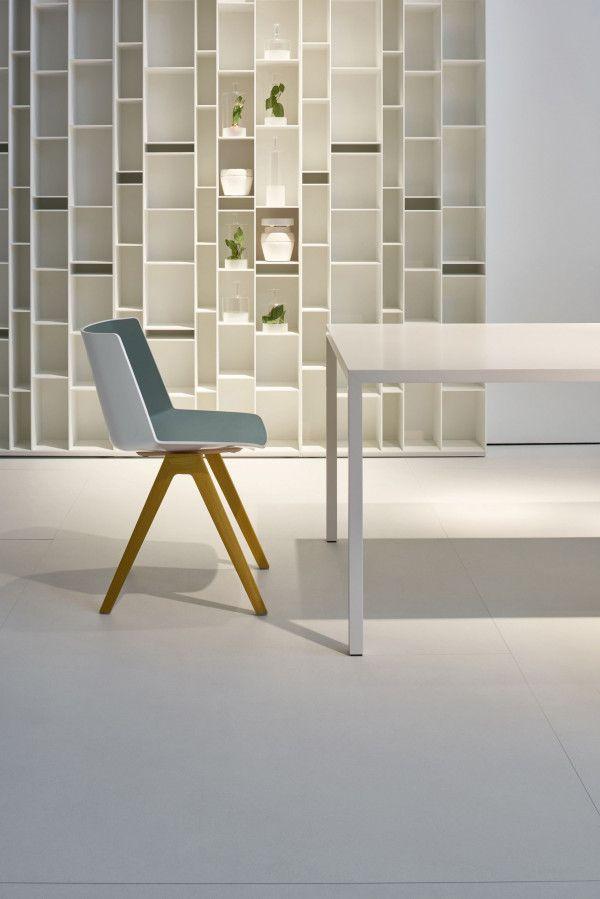 MDF Italia Aïku Wood stoel naturel eiken onderstel