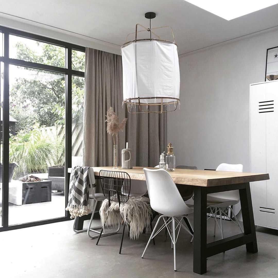 Eetkamer Eetkamer inspiratiefoto met Ay illuminate Binnenverlichting