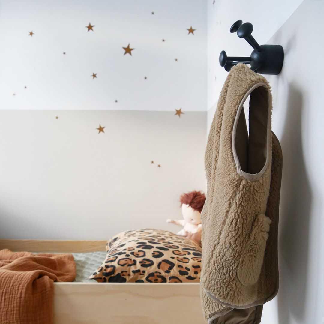 Kinderkamer Kinderkamer inspiratiefoto met Nofred Kapstokken
