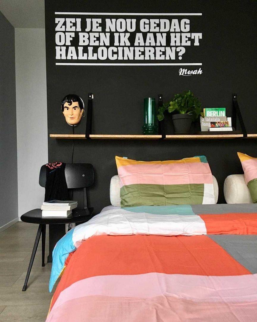 Slaapkamer inspiratiefoto met Hay Stoelen