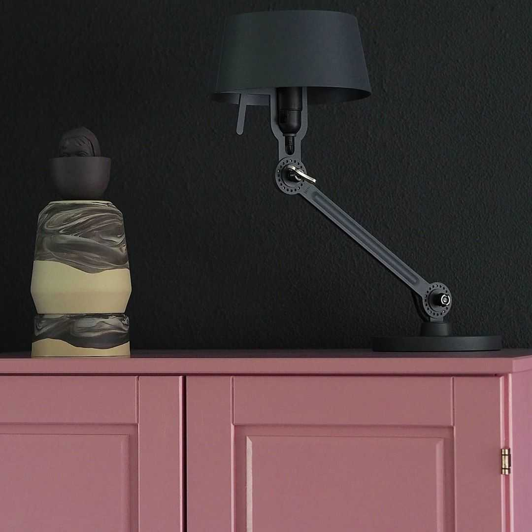 Woonkamer Woonkamer inspiratiefoto met Tonone Tafellampen