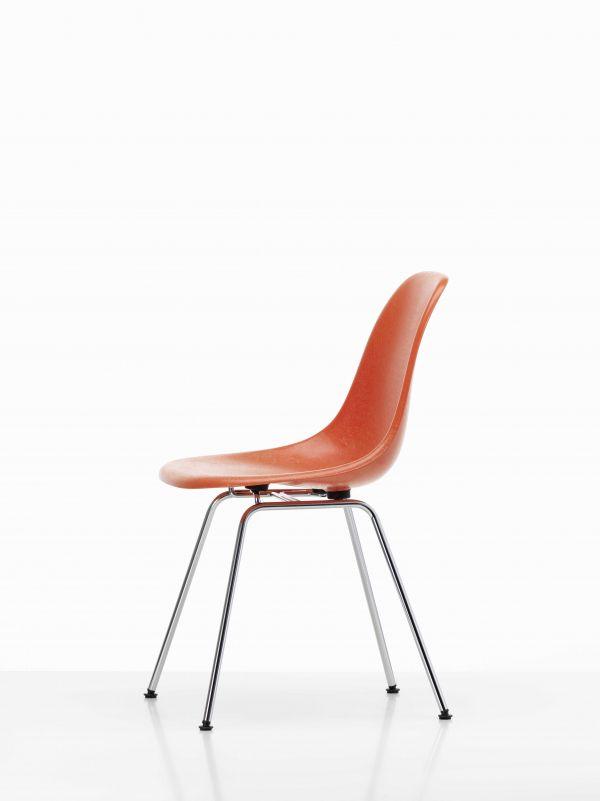 Vitra Eames DSX Fiberglass stoel met verchroomd onderstel