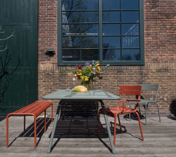Fermob Outlet - Luxembourg tuinstoel met armleuning Storm Grey