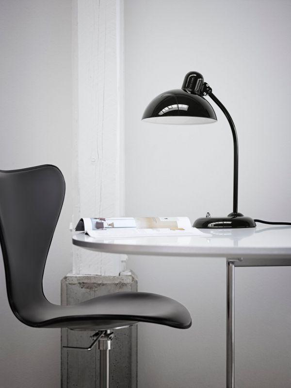 Lightyears KAISER idell kantelbare bureaulamp