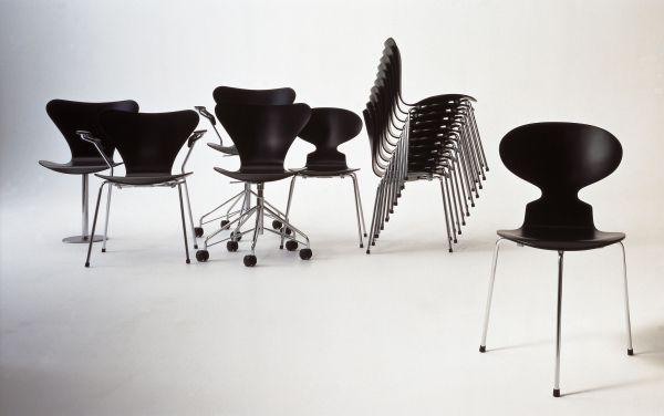Fritz Hansen Ant 3-poot stoel gekleurd essen