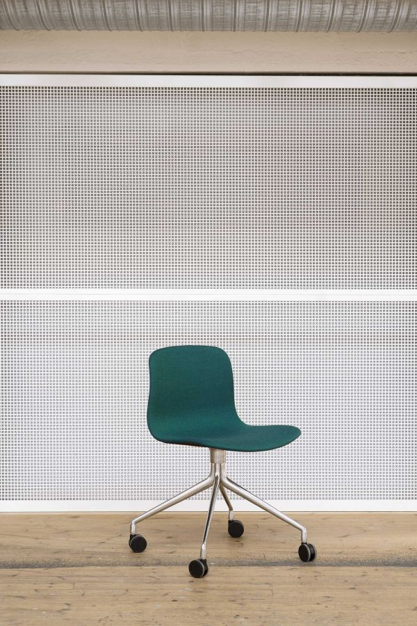 Hay About a Chair AAC15 gestoffeerde stoel