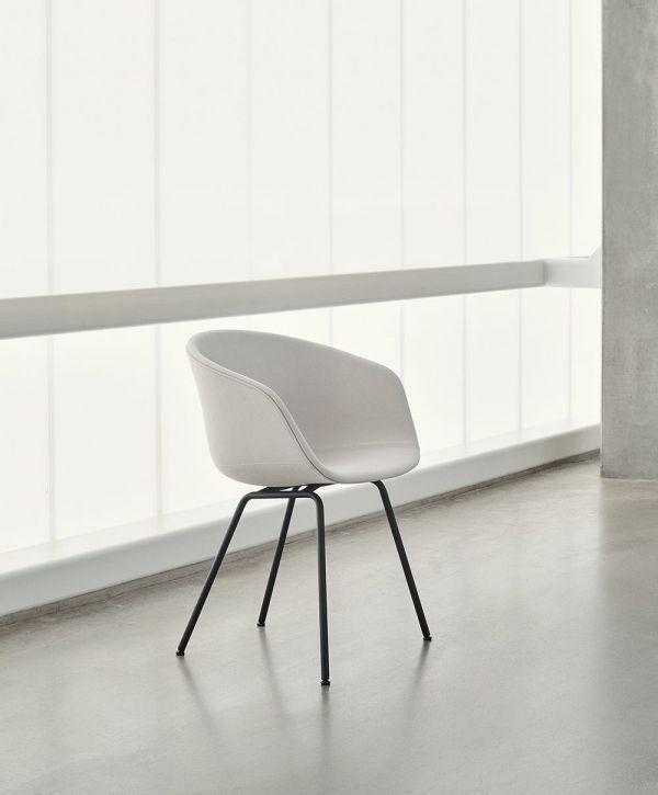 Hay About a Chair AAC27 gestoffeerde stoel