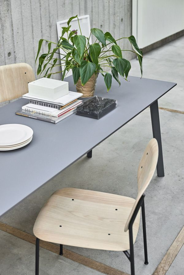 Hay CPH Deux 210 tafel 200x75 met gebeitst beuken onderstel