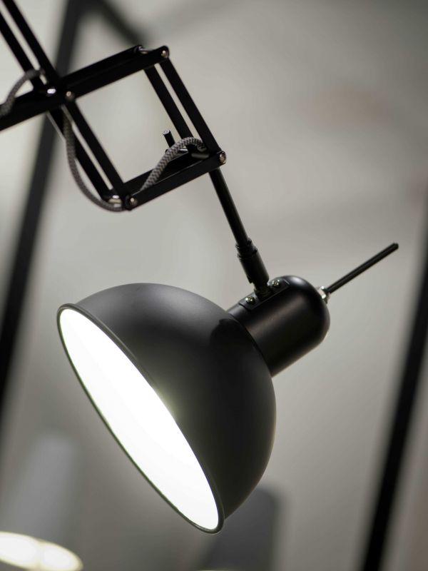 It's about Romi Aberdeen wandlamp