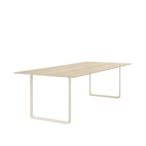 Muuto 70/70 Solid Oak tafel 255x108
