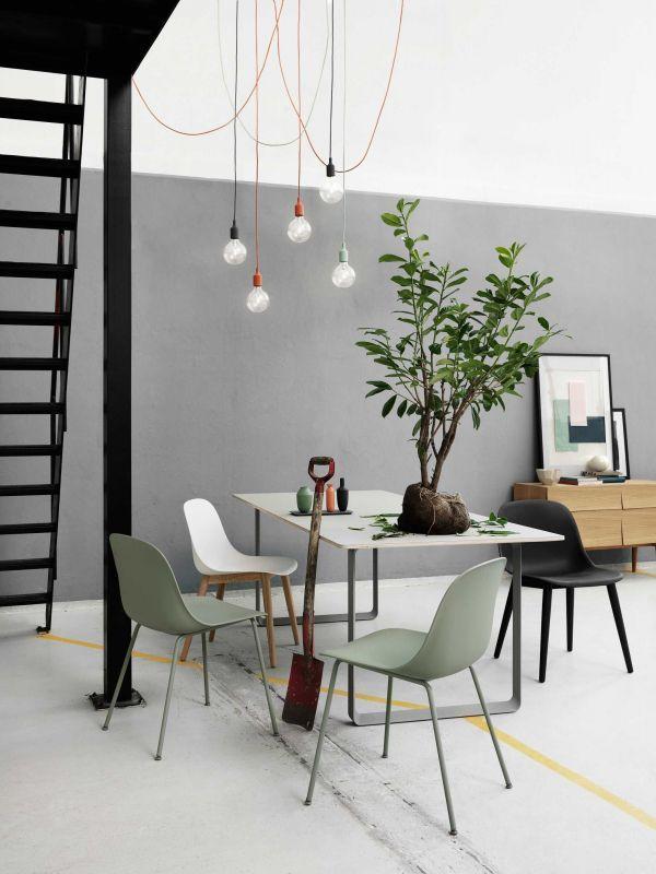 Design Tafel Met 6 Stoelen.Muuto Split Eettafel Eetkamerset 6 Fiber Side Wood Stoelen
