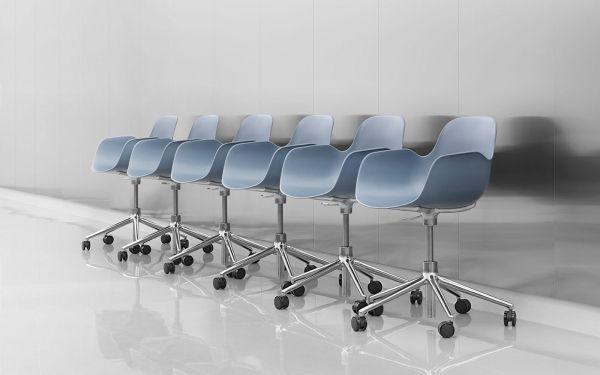 Normann Copenhagen Form Chair bureaustoel met wit onderstel