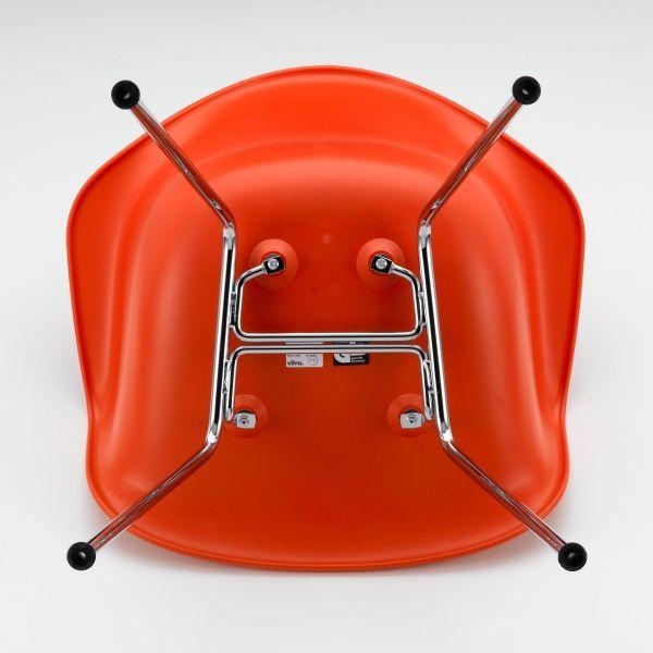 Vitra Eames DAX stoel met verchroomd onderstel
